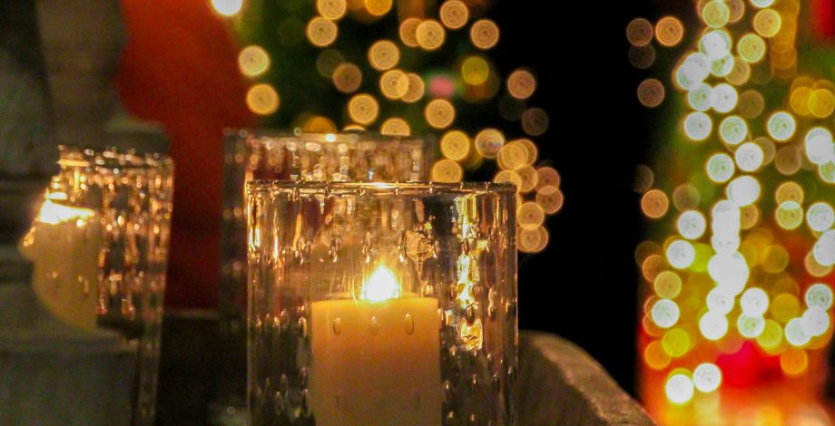 candles-christmas-lights-4fdddd8b87ad3_hires